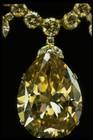 Close-up photograph of the Victoria-Transvaal diamond pendant (NMNH G7101)