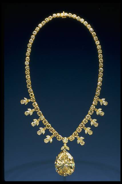 Photograph of the Victoria-Transvaal diamond necklace (NMNH G7101)