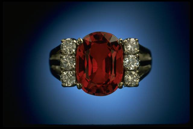 Photograph of a ruby ring from Thailand (NMNH G8479)