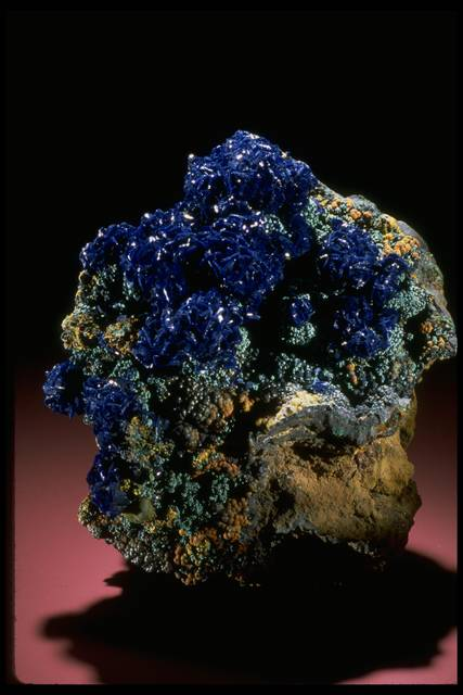 Photograph of azurite (143379) from the National Mineral Collection