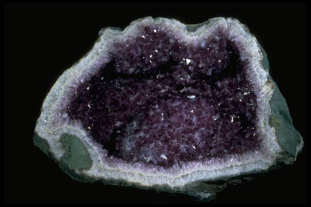 Photograph of large amethyst geode (165386) from the National Mineral Collection