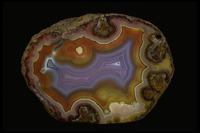 Photograph of Mexican agate (136385) from the National Mineral Collection