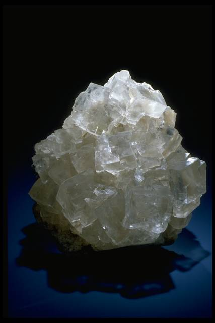 Photograph of a halite crystal (40222) from the National Mineral Collection