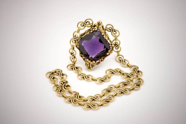 Tiffany Amethyst Necklace (NMNH G10538-00) from the National Gem Collection.