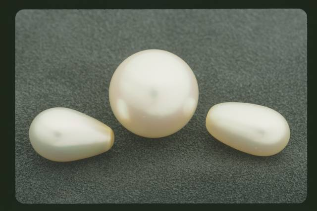 Includes the Paspaley pearl and drop shape pearls