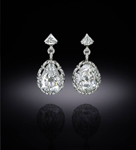 Photograph of the Marie Antoinette diamond earrings (NMNH G5018), digitally enhanced by SquareMoose for a 2017 jewelry publication by the Hillwood Museum