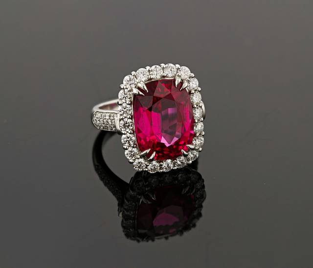 In 2007, several large spinel crystals were found near the town of Mahenge, Tanzania. What makes this material special is the highly saturated pinkish-red color. This gem is not only rare due to its color and locality, but also because of its large size.